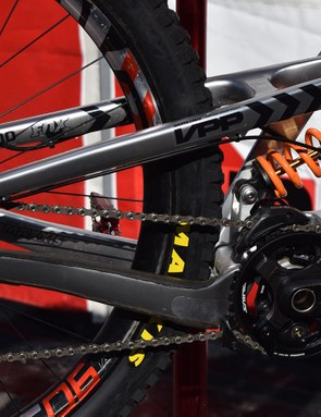 ...while the rear swingarm and linkages have been redesigned to preserve the bb height and accommodate bigger wheels