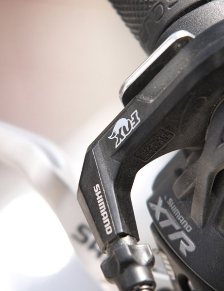 The new lever was developed with Shimano and includes a handy barrel adjuster for quick adjustments