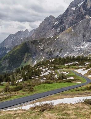I rode the Alpenchallenge AMP Sport up the 1,400m climb of the Grosse Scheidegg