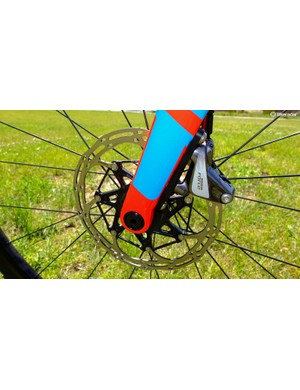 Front thru-axle and 160mm disc rotor