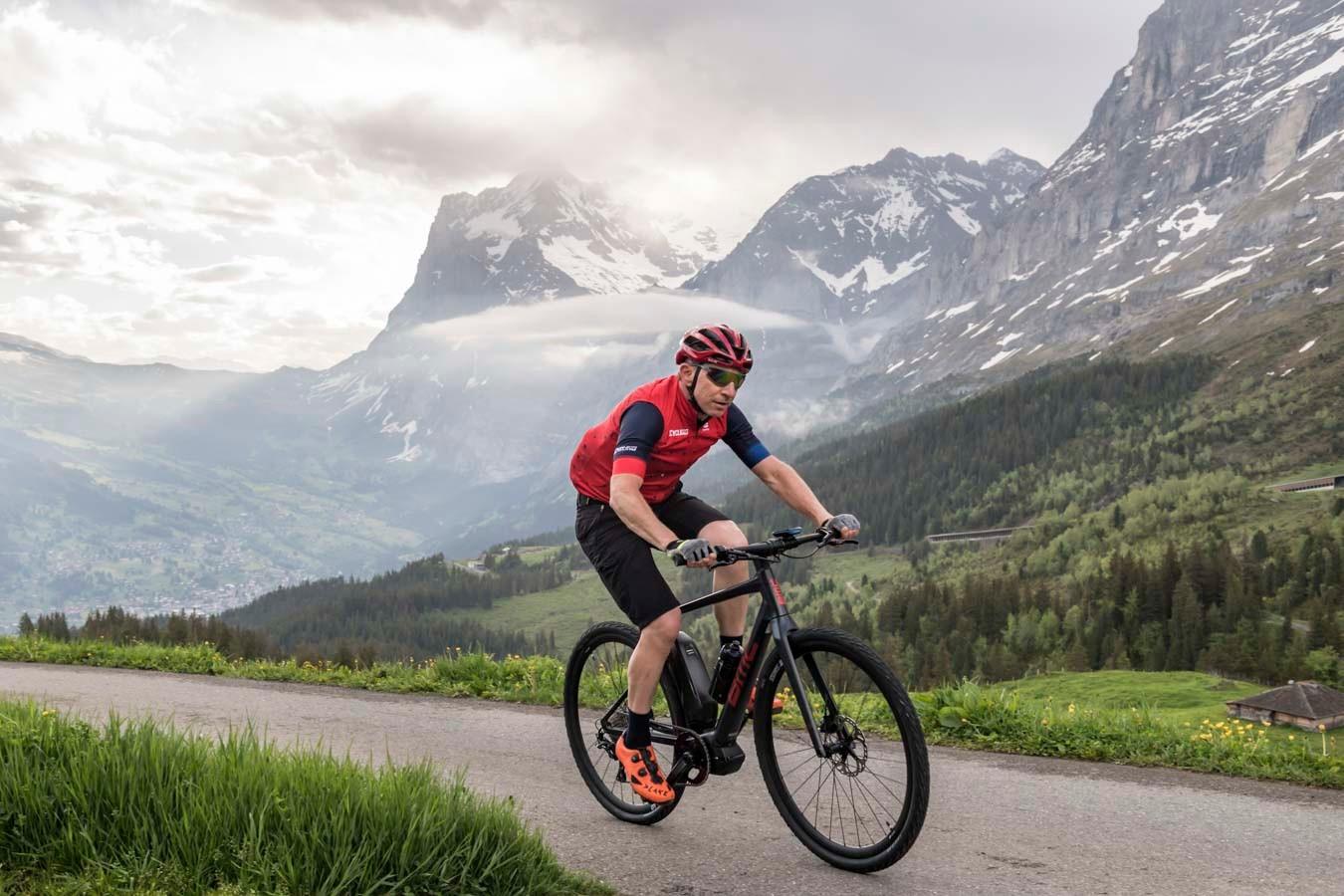 Thursday morning's early start meant tackling the 1,000m, 10km climb of the Kleine Scheidegg on the Alpenchallenge AMP Cross LTD