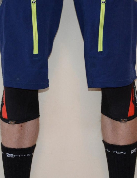 TLD's Speed Sleeve pads are stylish and low profile