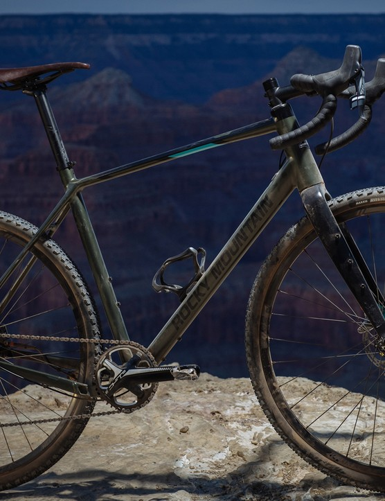 SRAM's Force 1x11 drivetrain and discs are on board the Solo 70