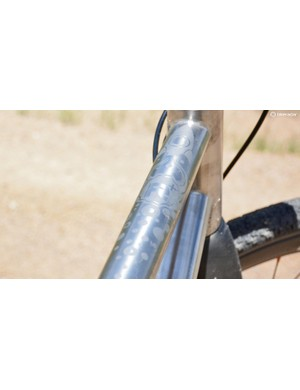 The brushed detailing found throughout the frame was a classy touch