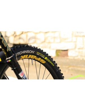 Special lightweight (for downhill) Hutchinson tyres, just for Pompon