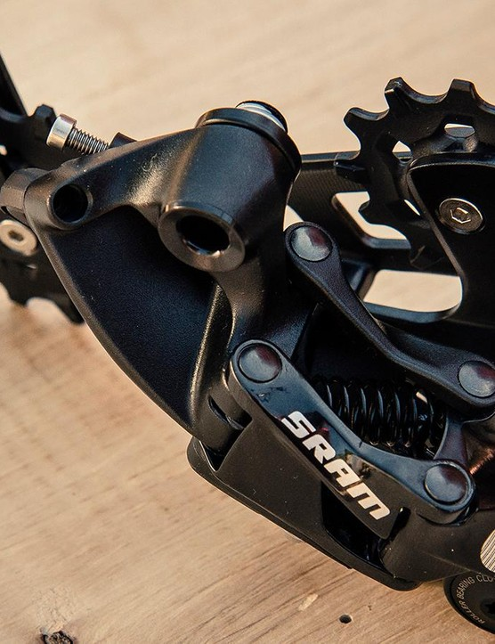 Out back sits the EX1 X-Horizon rear deraiileur, which shares its technology with SRAM's X-Horizon 11spd items