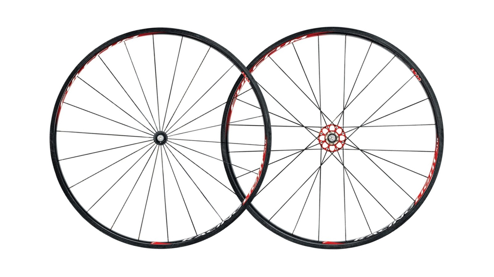 These Fulcrum Racing Light XLR Road wheels feature CULT ceramic bearings