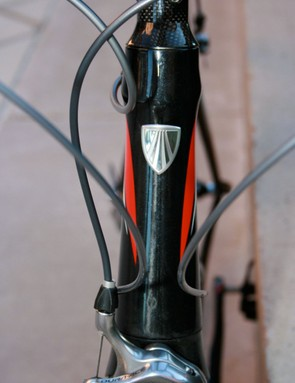 The Madone's hourglass headtube houses a 1-1/8-inch to 1.5-inch tapered headtube.