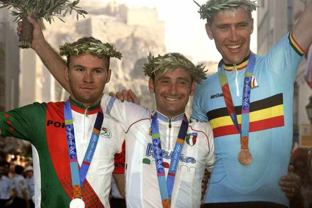 Athens 2004: Sergio Paulinho, Paolo Bettini (C) and Axel Merckx.