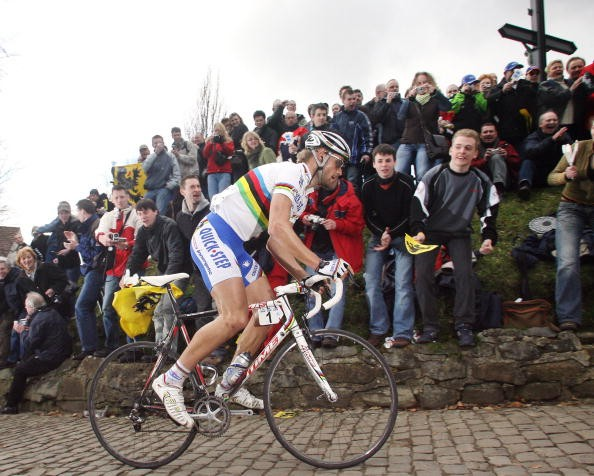 Tom Boonen, storming to victory in the 2006 Tour of Flanders.