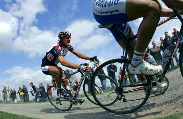Fabian Cancellara on his way to victory in 2006.