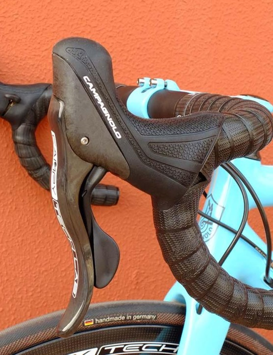 Campagnolo's hydraulic brakes will work with mechanical or EPS shifting – this is the mechanical option