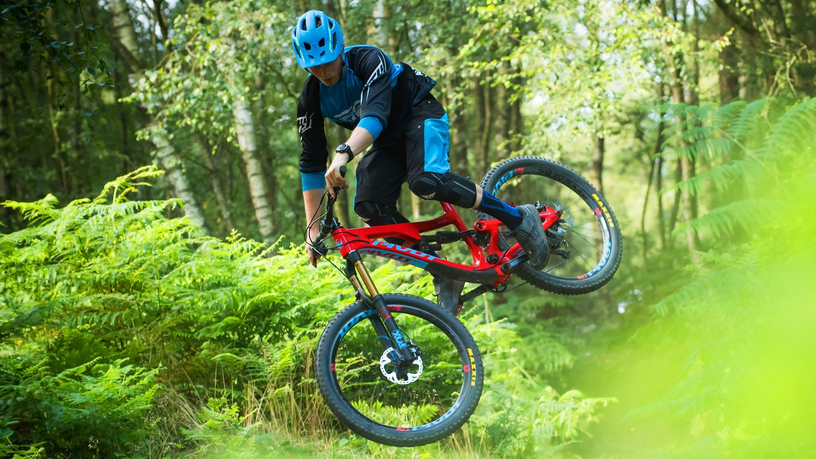 With 170mm travel, the Firebird is aimed at rowdy enduro courses and bike parks