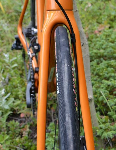 Not a ton of fork clearance around the stock 25c Clement rubber