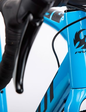 A 1.5in tapered steerer leads the way
