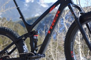 The front triangle is Trek's OCLV carbon, the rear end is alloy