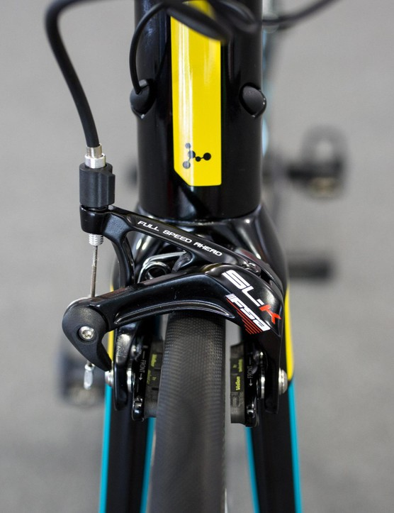 We're a bit surprised to not see Astana's bikes spec'd with the new K-Force Dual Pivot brakes