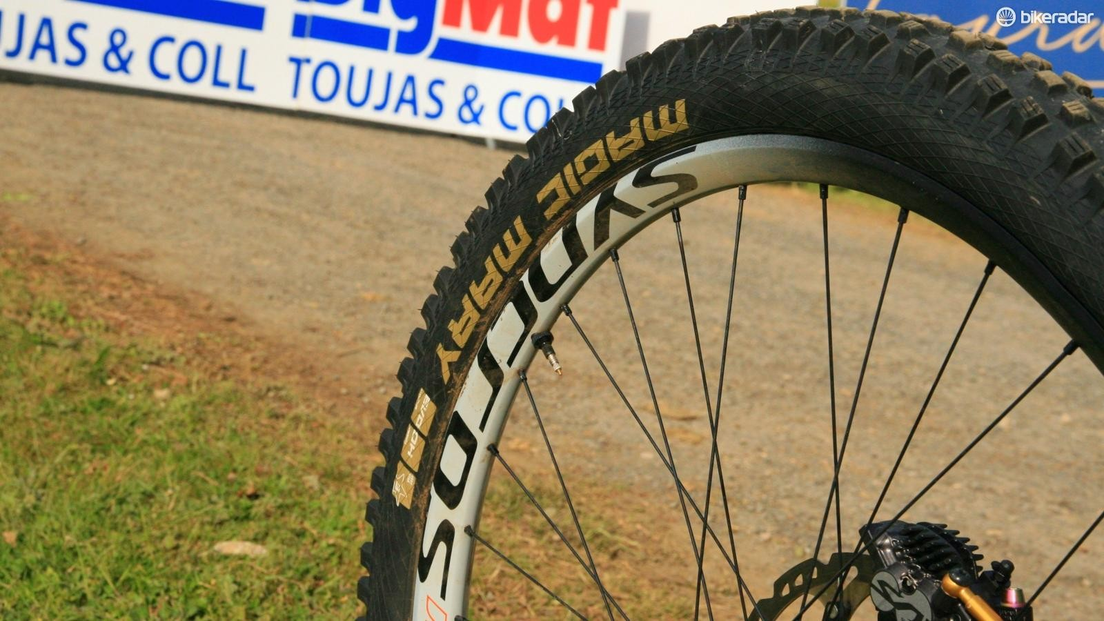 An unusual pairing of 30mm rear and 25mm front rims allows Fairclough to slam the bike hard into turns