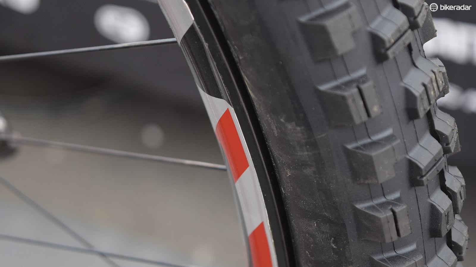 """ENVE supplied 29"""" versions of their 35mm-wide M90 wheels, while Maxxis sent DH-casing DHR2 and Shorty tyres to fit"""