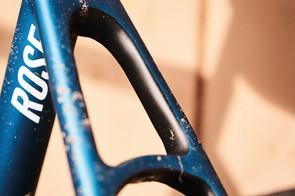 Sleek lines on this lightweight carbon frame