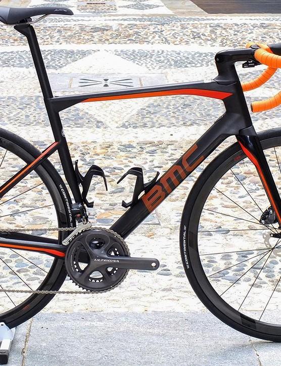 BMC Roadmachine 01 Ultegra Di2 in Sunrise finish