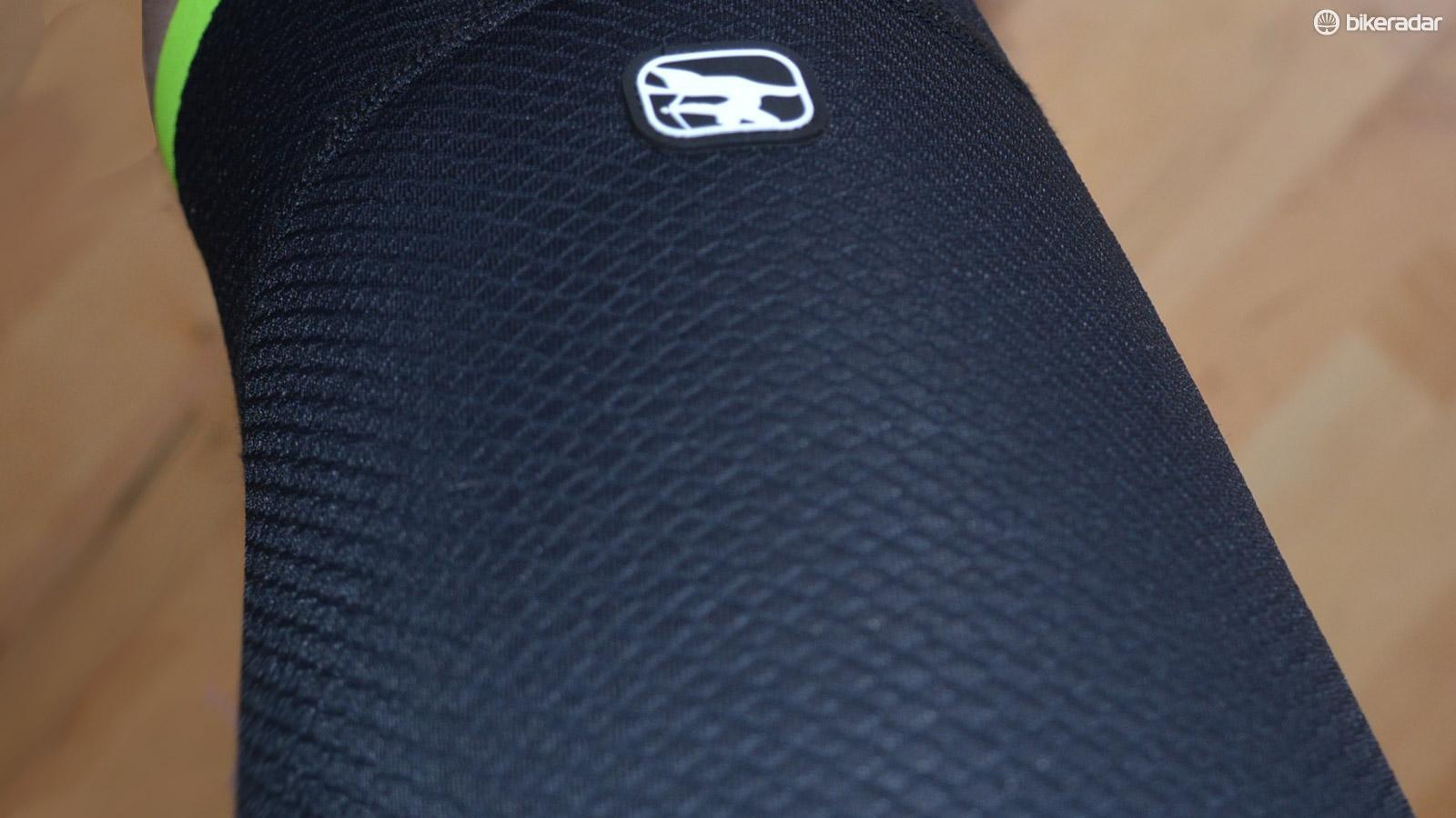 One panel and one seam per leg maximizes compression