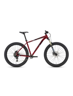 The mid-level Growler 740 features a 120mm Suntour fork and SRAM NX bits
