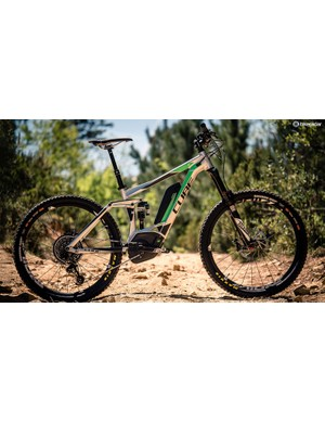 We sampled the EX1 drivetrain on Cube's Stereo Hybrid 160 HPA Race 500