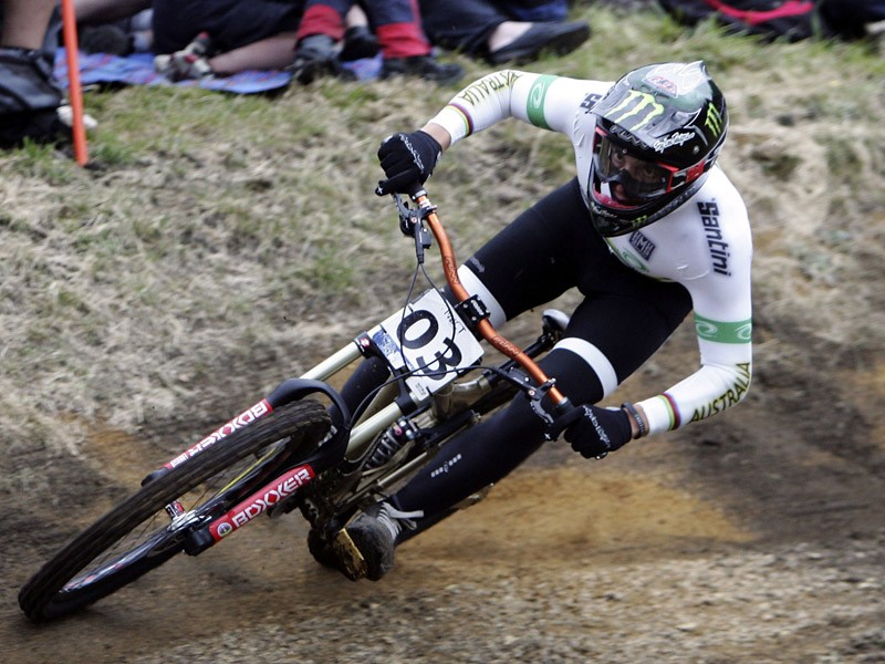 Sam Hill will ride for Specialized in 2009