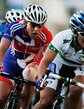 Oenone Wood and Nicole Cooke race at the world championships