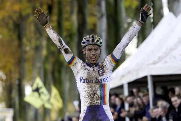Sven Nys celebrates one of many wins, the Gaverre cyclocross in 2006