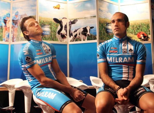 Ex Milram teammates Alessandro Petacchi (L) and Igor Astarloa.
