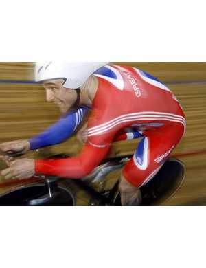Britain's Jamie Staff races to bronze in the men's 1k time trial in 2007.