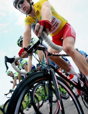 Wiggins hopes to be in yellow on Sunday