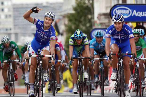 Exactly one year ago, Tom Boonen (L) celebrated Gert Steegman's Tour win.