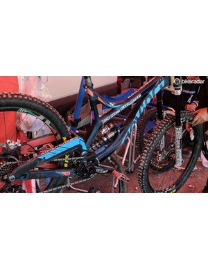 It was also nice to see an EXT Arma HBC shock among the sea of Fox and Rockshox this weekend