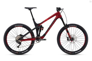 Second from the top is the Slayer 770 MSL. It uses a 170mm RockShox Lyrik RCT3 fork with a Super Deluxe Debonair RC3 shock. The 770 MSL uses a Shimano XT drivetrain with XT brakes.