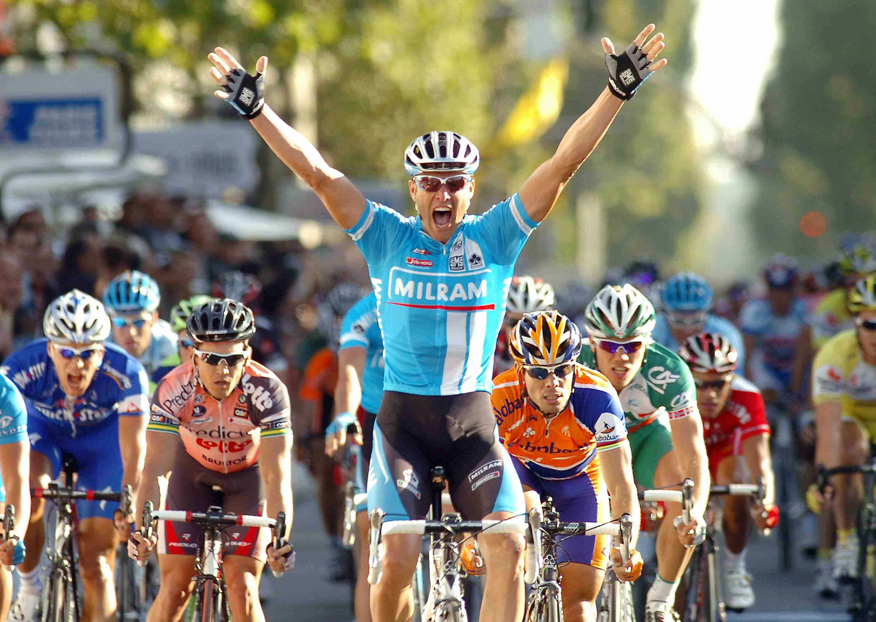 Petacchi wins the 2007 Paris-Tours.