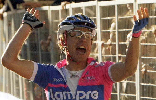 Cunego winning the Tour of Lombardy in October 2007.