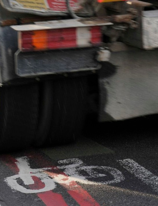 The Mayor of London plans to remove all dangerous lorries from the streets by 2020