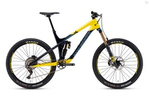 The top-end Slayer 790 MSL comes with a 170mm Fox RC2 fork with a Fox Float X2 EVOL shock. It gets a Shimano XTR drivetrain with a 11-46t XT cassette and Race Face Turbine crankset. Shimano Saint brakes with 203/180mm rotors bring it to a halt.