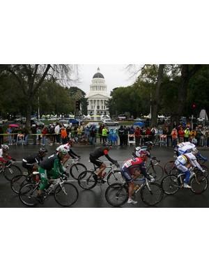 The peloton races into Sacramento.