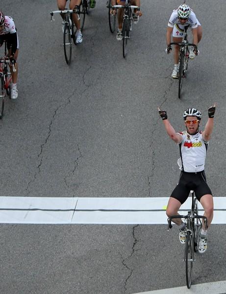 Mark Cavendish winning at the Giro d'Italia