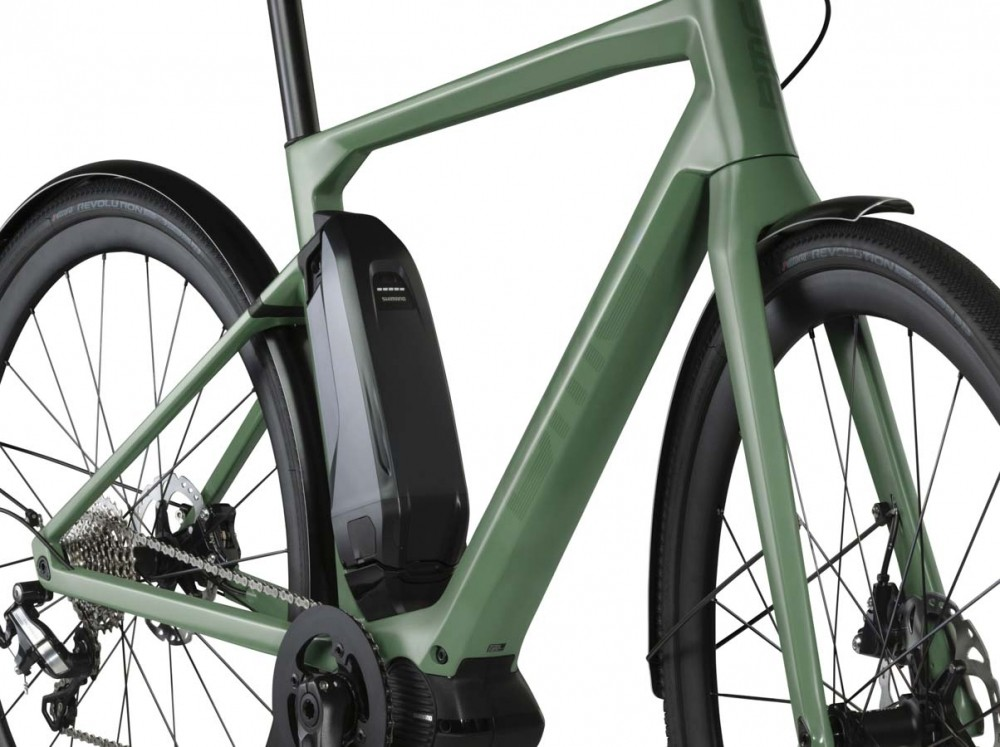 Dedicated mudguards allow up to 38mm tyres, or 42mm without
