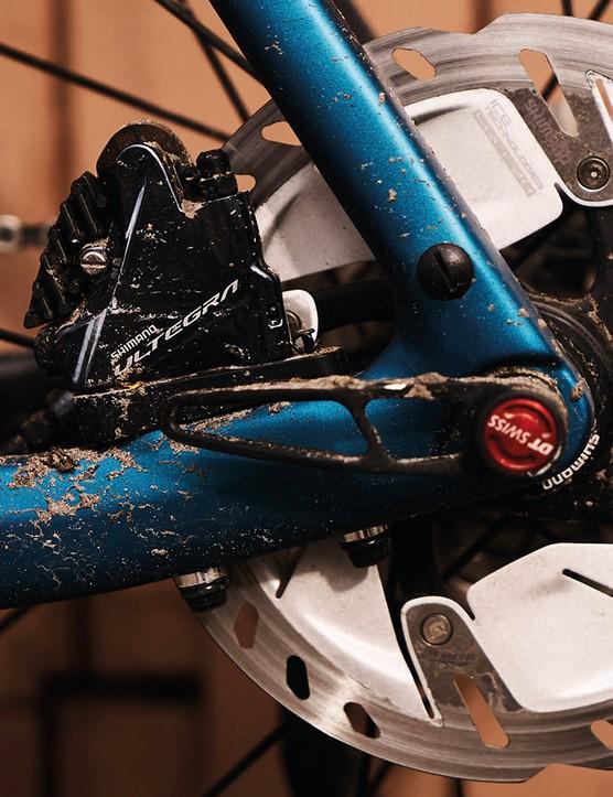 Flat mount brakes and thru-axles