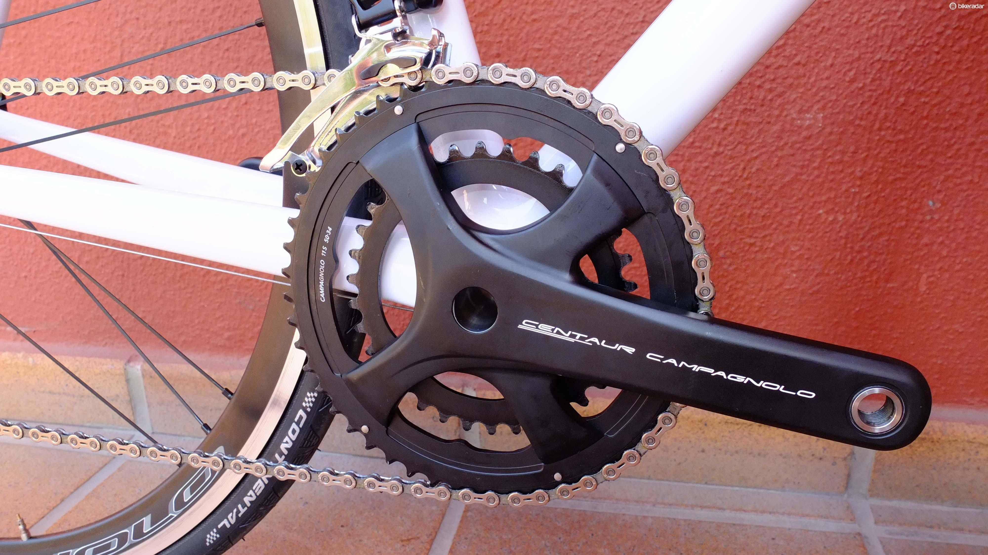 The aluminium four-arm crank has independent bolt circles for each ring and an Ultra-Torque axle