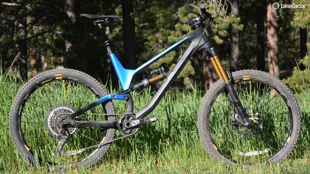 Canyon's Torque CF 9.0 Pro has 27.5in wheels and 180/175mm front and rear travel