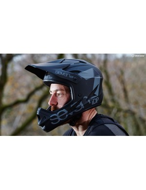 7iDP's M1 full-face helmet looks a very good buy, provided it fits your head