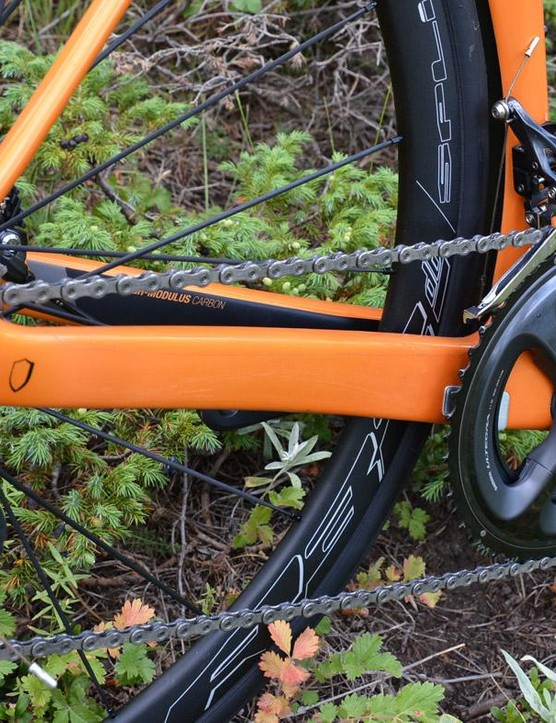 The rear end boasts stout chainstays, lithe seatstays and a 12mm thru-axle