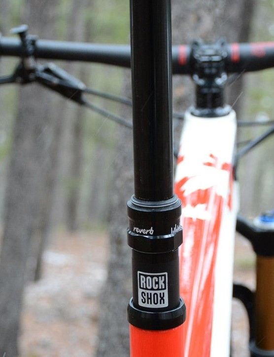 XC is getting fun, a RockShox Reverb Stealth dropper post comes stock
